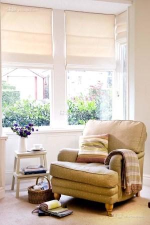 迷你可爱小窗台也能挤出阳光读书角(图3)