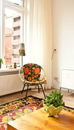 迷你可爱小窗台也能挤出阳光读书角(图6)